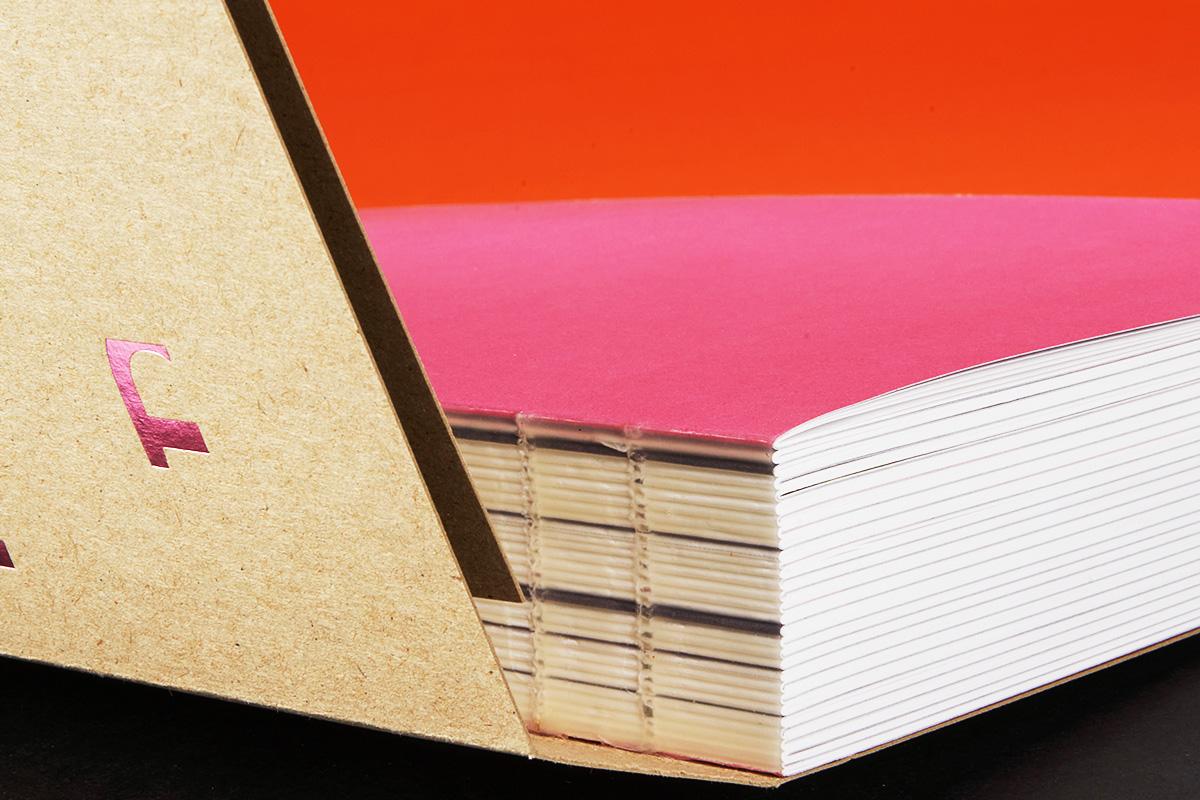 Schweizer Broschur als offene Fadenheftung